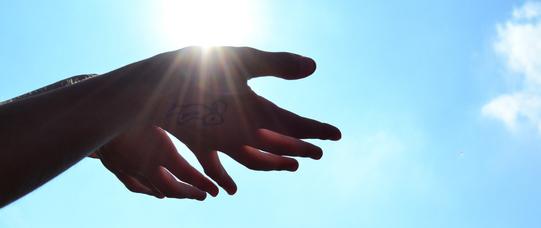 Hands 1384735 1920