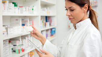 Szczepien w aptekach nie bedzie